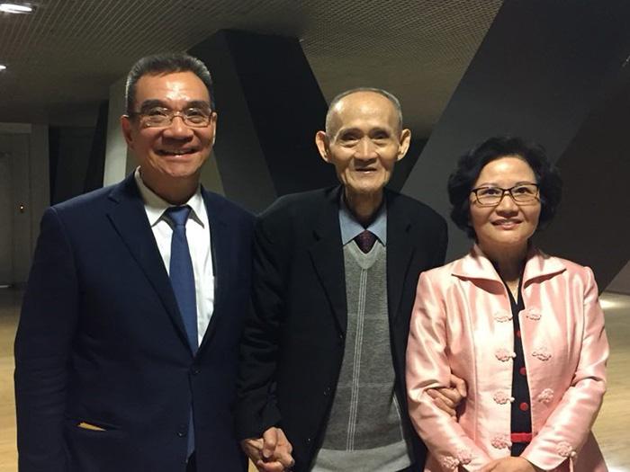 高秉涵律師受邀至北京演講時,與北京大學國家發展研究院名譽院長林毅夫伉儷合影